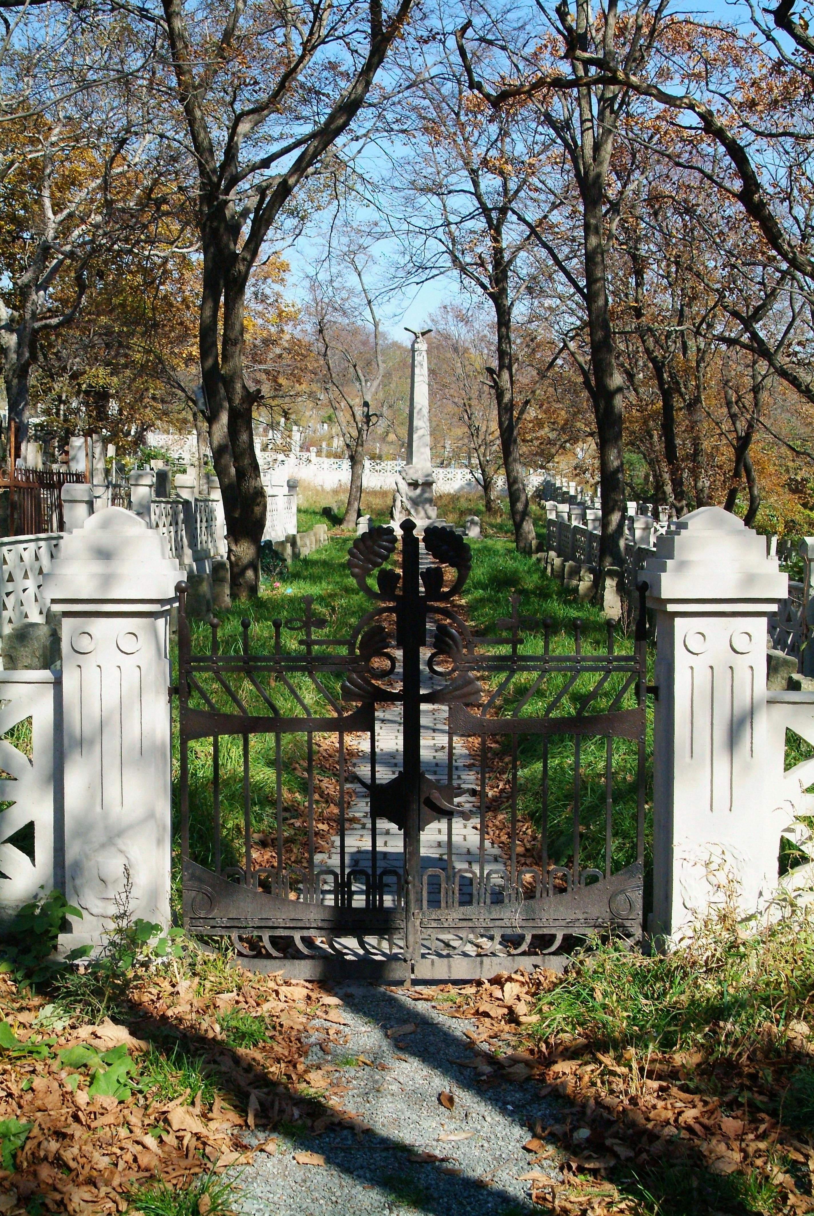 кованые ворота Чешского кладбища (реставрация), художественная ковка, Владивосток