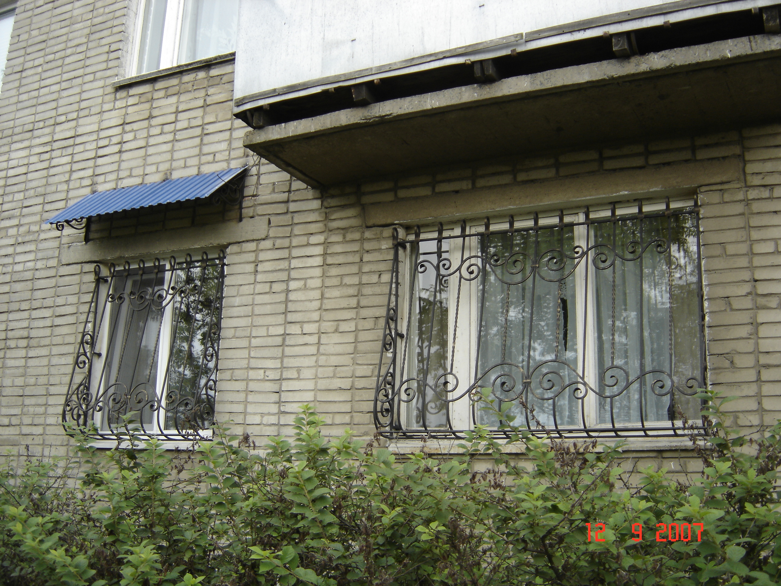 кованые оконные решетки, художественная ковка , Владивосток
