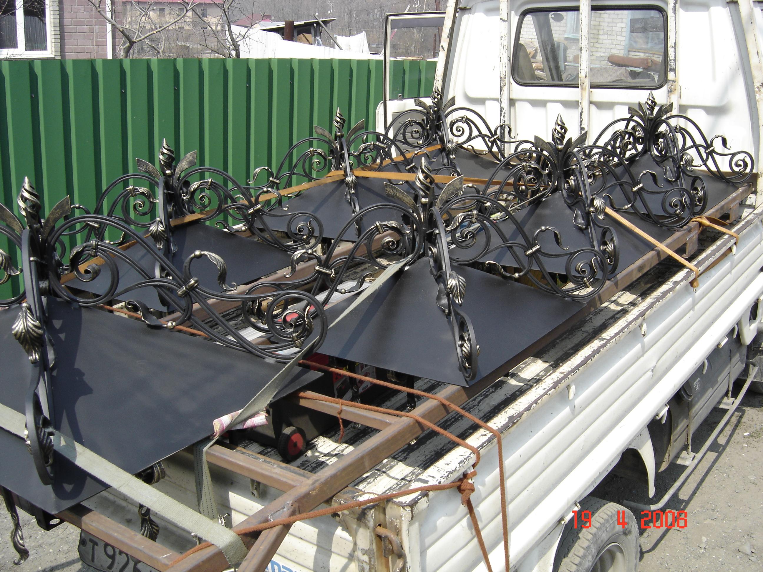 навершия столбов при транспортировке, художественная ковка, Владивосток