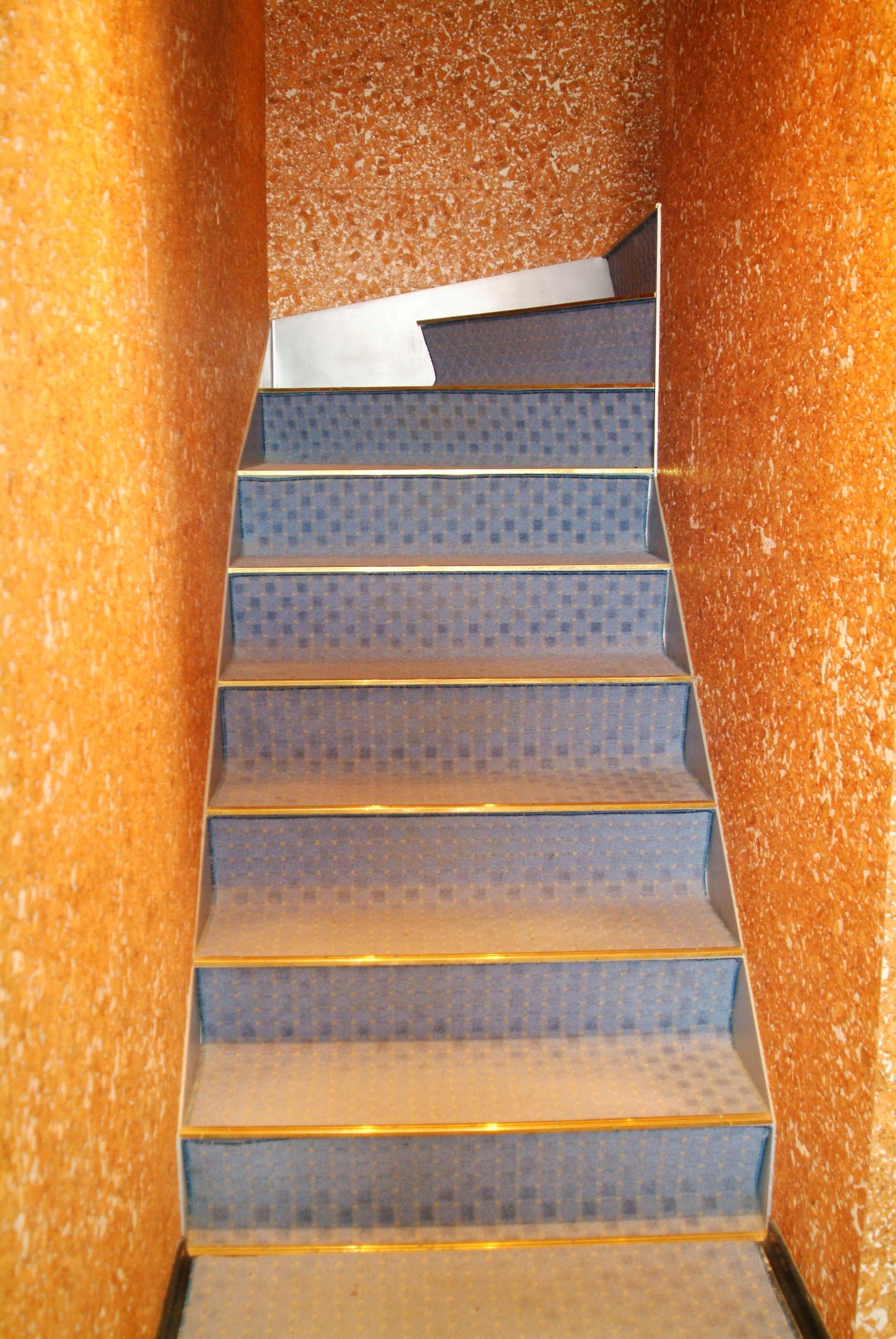 лестница, сваренная из гнутого стального листа, Владивосток