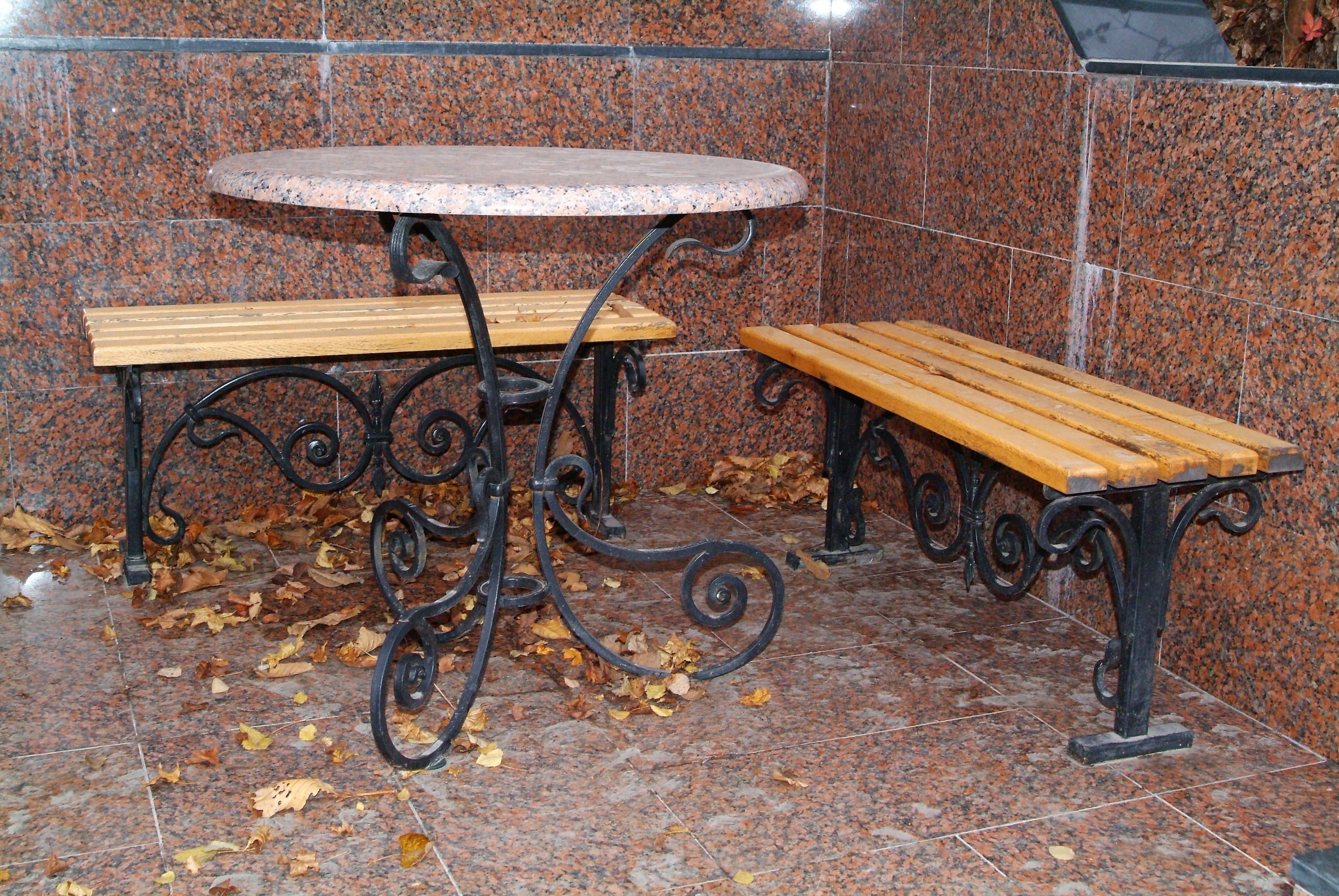 кованый стол и кованые лавочки, художественная ковка, Владивосток