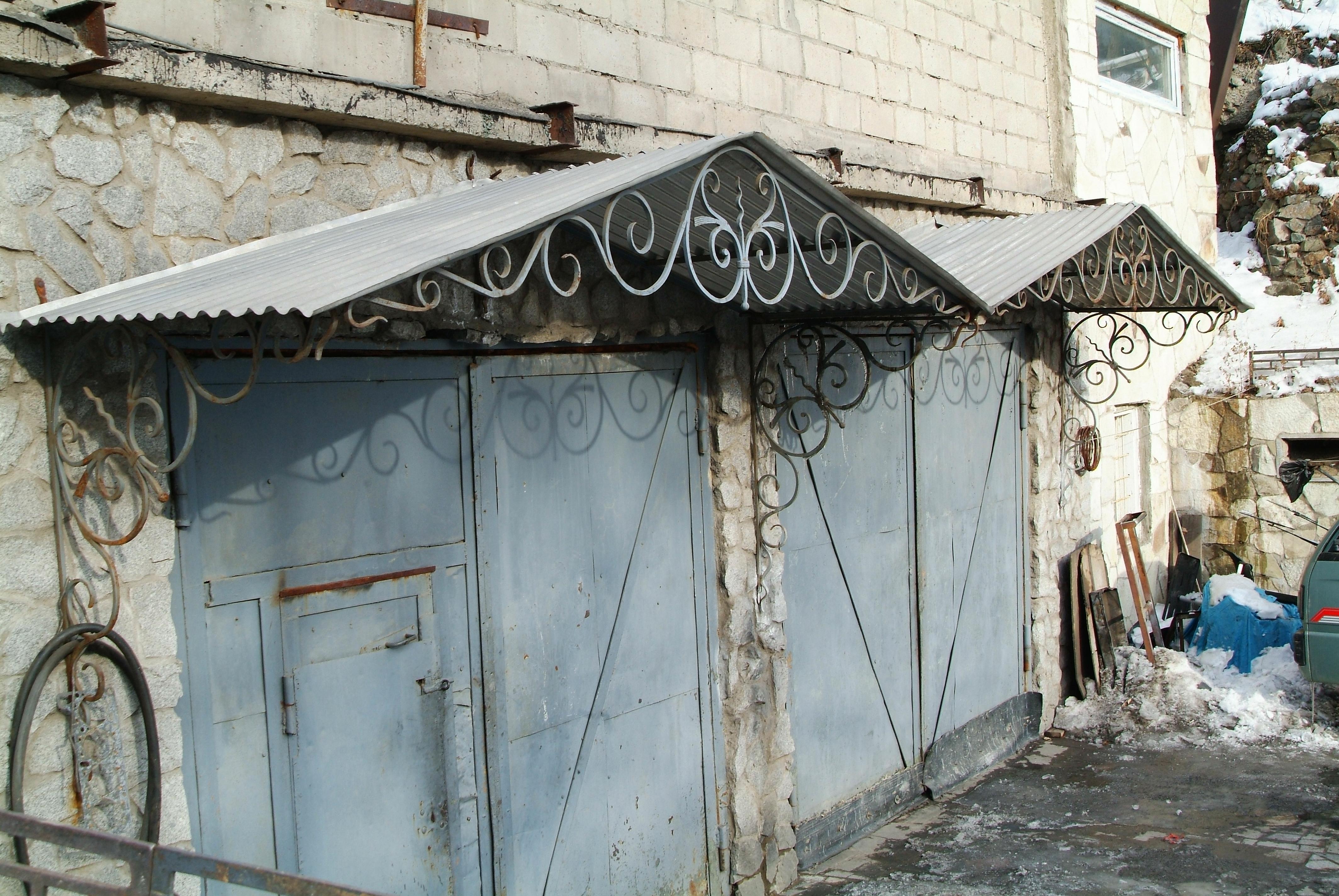 кованый козырек, художественная ковка, Владивосток