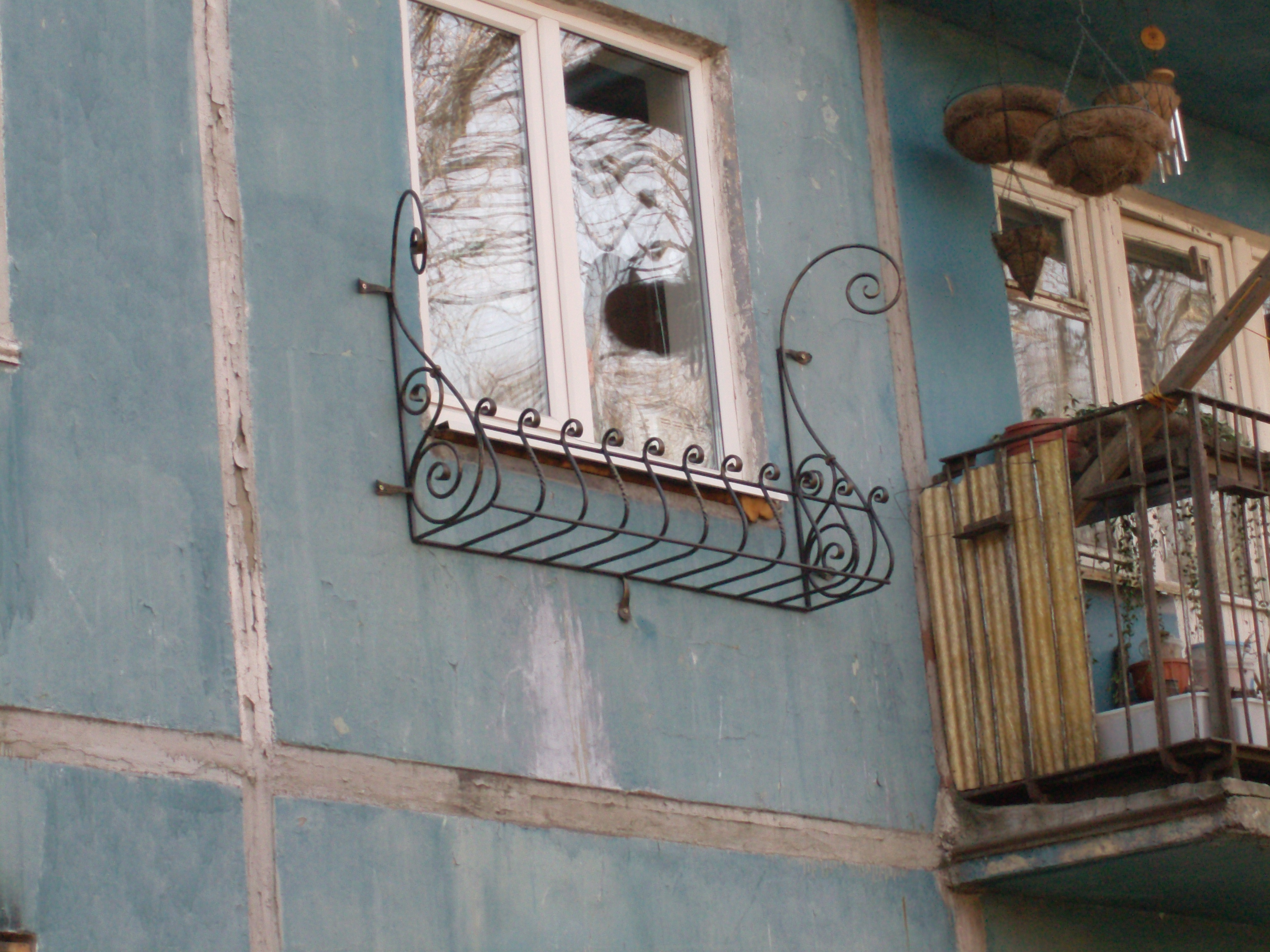 кованая подставка для цветов, художественная ковка, Владивосток