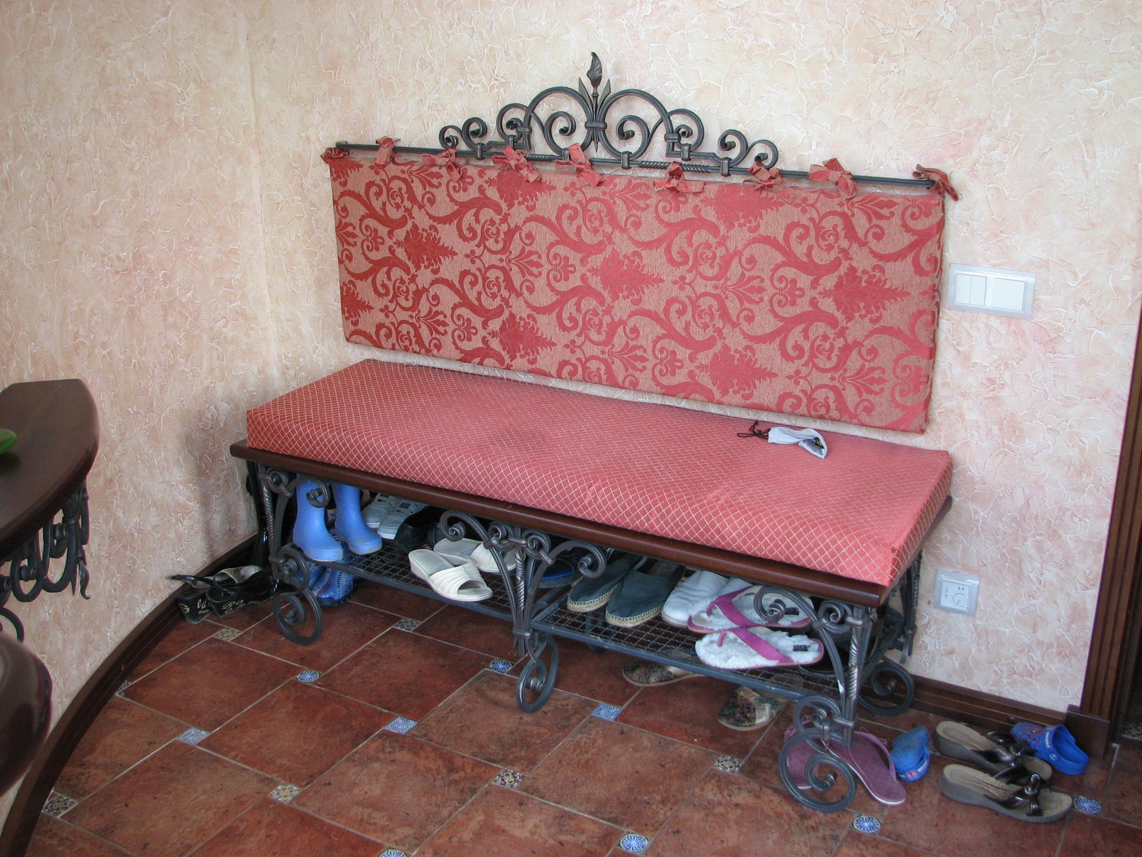 кованый диванчик с полкой для обуви, художественная ковка, Владивосток
