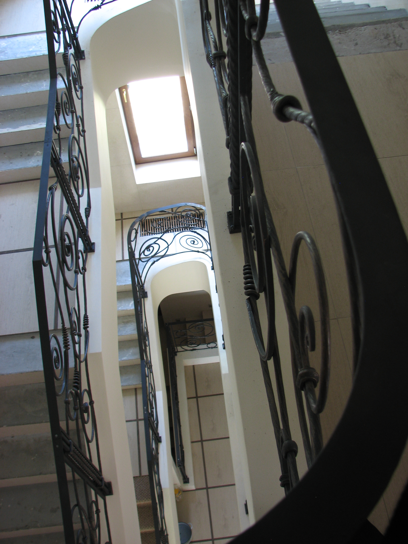 кованое ограждение лестницы, художественная ковка, Владивосток