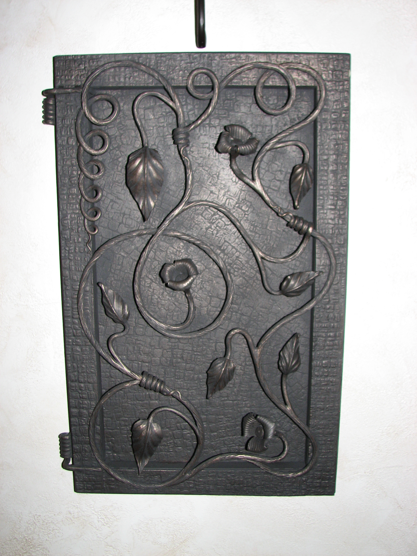 кованая дверца электрического щита, художественная ковка, Владивосток