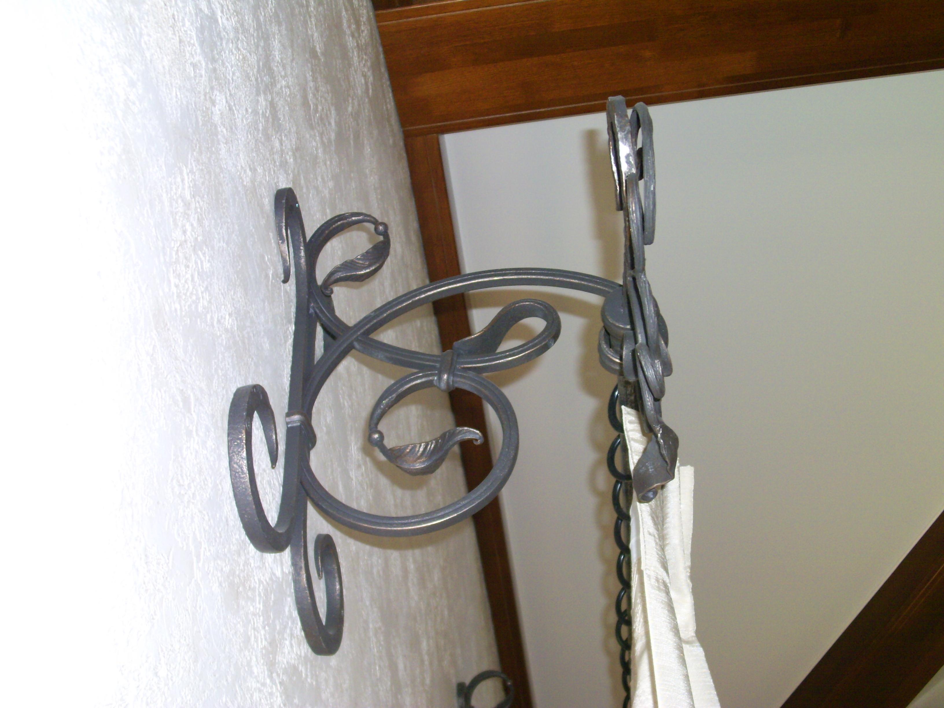 кованый кронштейн карниза для штор, художественная ковка, Владивосток
