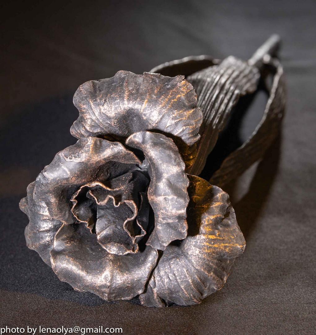 кованый цветок,кованый сувенир, художественная ковка, ковка во Владивостоке, ковка на заказ, кованый декор